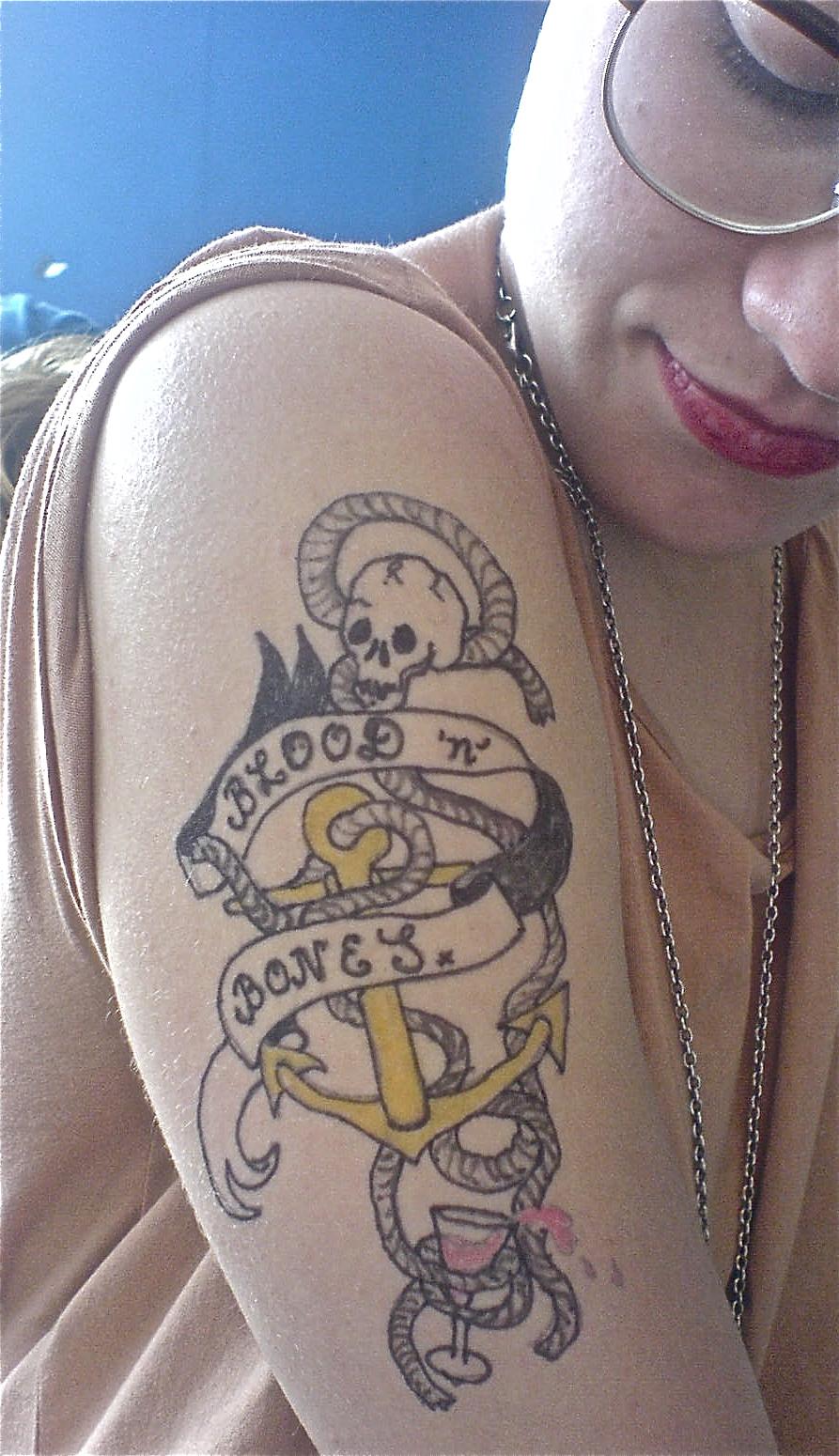 Tattoo buttocks - güzel ve kaba