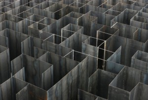steel_labyrinth_02