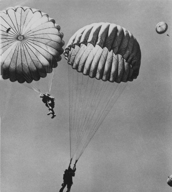 parachutes-255791
