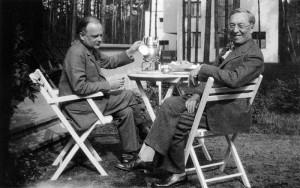 Klee and Kandinsky drinking tea at Bauhaus
