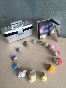 box_book_stones_900